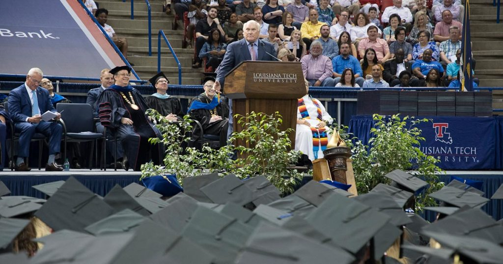 Terry Bradshaw speaks to the 2019 spring graduates at commencement